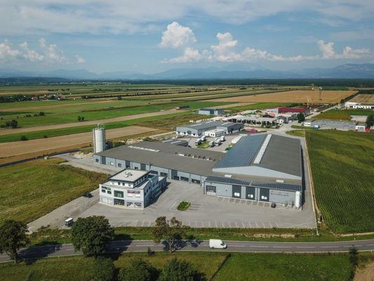 Foto: Aktiv-Ladenbau-Firmengelaende-Luftaufnahme